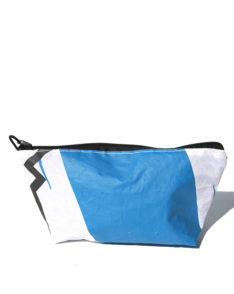 UTILITY BAG FROM RECYCLED KITES<br>DOMINICAN REPUBLIC